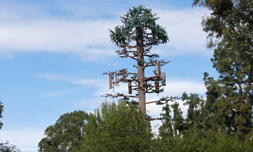 Fake tree cell tower